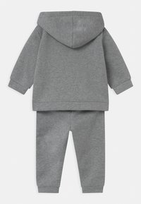 Reebok - HOODIE SOLID SET - Trainingsanzug - mottled grey - 1