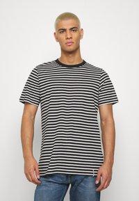 Anerkjendt - ROD - T-shirts med print - caviar - 0