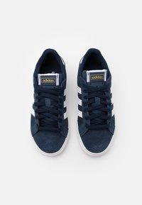 adidas Originals - BASKET PROFI UNISEX - Tenisky - collegiate navy/footwear white/gold metallic - 3
