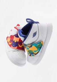 Jordan - SKY 1 UNISEX - Basketball shoes - white/court purple/total orange - 6