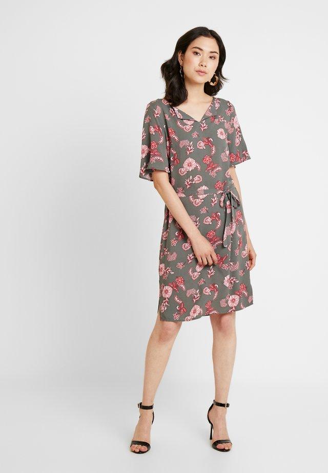 PRINTED DRESS - Vestito estivo - olive khaki