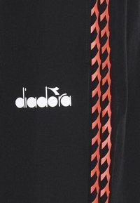 Diadora - PANTS CHALLENGE - Pantalones - black - 2
