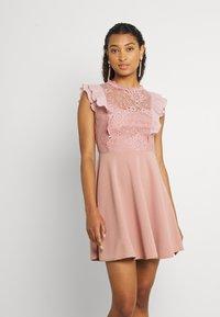 WAL G. - HUMERA LACE SKATER DRESS - Žerzejové šaty - blush pink - 3