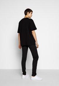 Love Moschino - T-shirt imprimé - black - 2