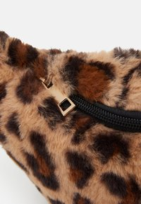 Lindex - BAG BUM LEO - Bum bag - light brown - 3