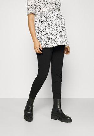VMMEVA LOOSE BELT PANT - Legging - black