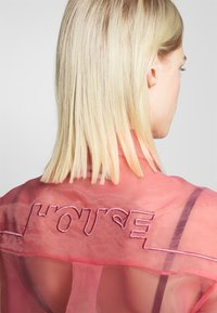 House of Holland - SHEER BOXY - Button-down blouse - pink - 4