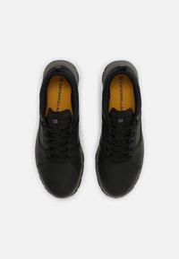 Caterpillar - QUEST MOD - Sneakersy niskie - black/medium charcoal - 3