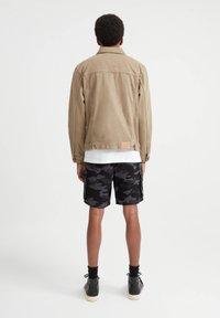 PULL&BEAR - Džínová bunda - mottled brown - 2