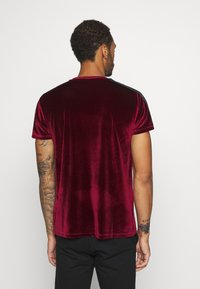 Glorious Gangsta - MARENO - Print T-shirt - burgundy - 2