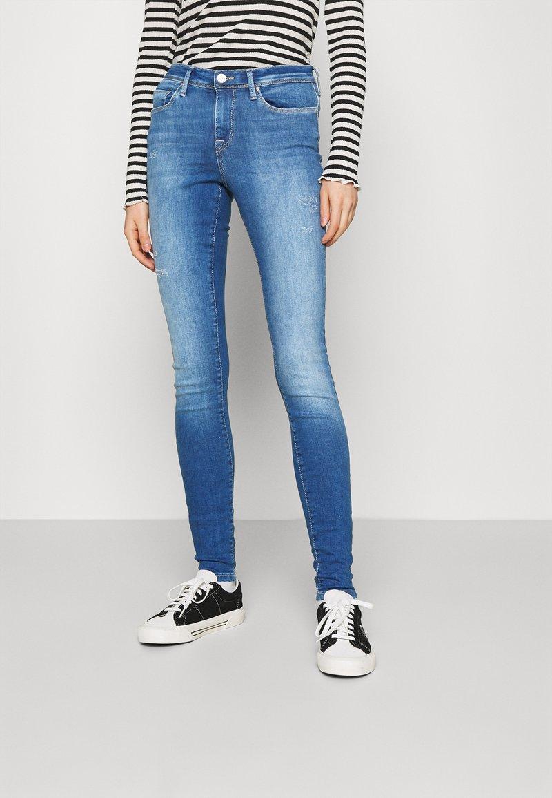 ONLY - ONLSHAPE LIFE REG - Jeans Skinny Fit - light medium blue denim
