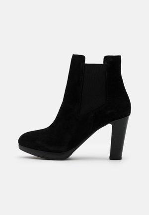 SLFGRACE CHELSEA  - Kotníková obuv na vysokém podpatku - black