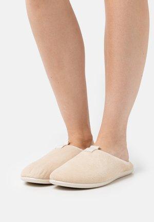 EASY  - Slippers - limestone