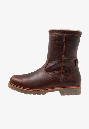 FEDRO IGLOO - Zimní obuv - chestnust