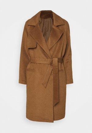 Klasický kabát - golden camel