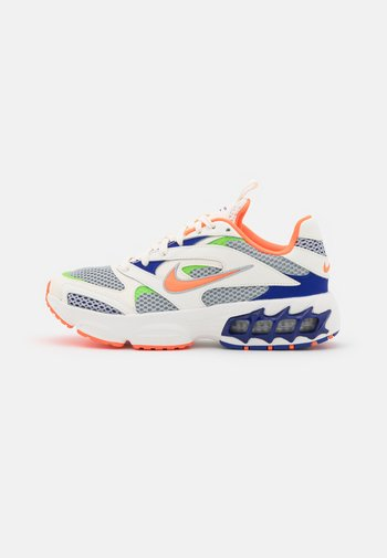 ZOOM AIR FIRE - Sneakers - sail/hyper crimson/pale ivory/concord/light smoke grey/mean green