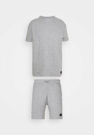 AIM TWINSET - Shorts - mottled grey