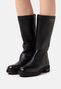 Emporio Armani - Vysoká obuv - black - 0