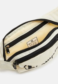 Champion - BELT BAG LEGACY - Across body bag - offwhite - 3