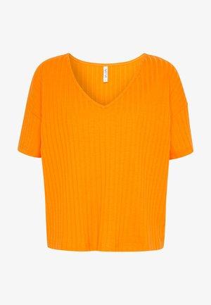 T-shirts - turmeric