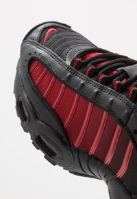 Nike Sportswear - AIR MAX TAILWIND IV - Tenisky - university red/black/white - 5