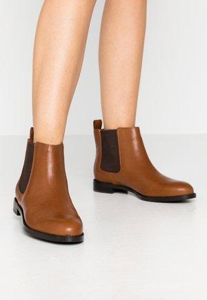 SIGNATURE HAANA - Ankle boot - deep saddle tan
