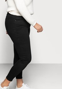 Cotton On Curve - ADRIANA - Jeans Skinny Fit - black - 3
