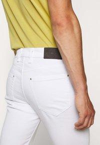 Michael Kors - KENT - Jeans Skinny Fit - white - 2
