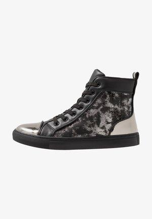 DAVOS - Sneakers hoog - black/silver