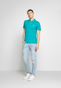 Selected Homme - SLHARO EMBROIDERY - Polo shirt - quetzal green - 1