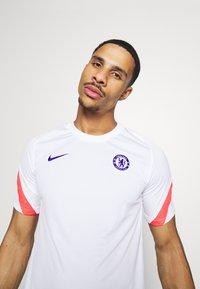 Nike Performance - CHELSEA LONDON FC  - Klubbkläder - white/ember glow/concord - 3