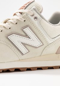 New Balance - WL574 - Sneakers - offwhite - 2
