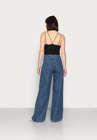 Ética - DEVON - Flared Jeans - sequoia - 2