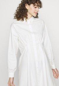 Pieces - PCELLON SHIRT DRESS  - Shirt dress - cloud dancer - 3