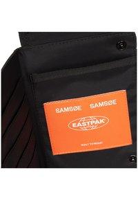 Eastpak - SAMSOE CULLEN - Schoudertas - samsøe black - 6