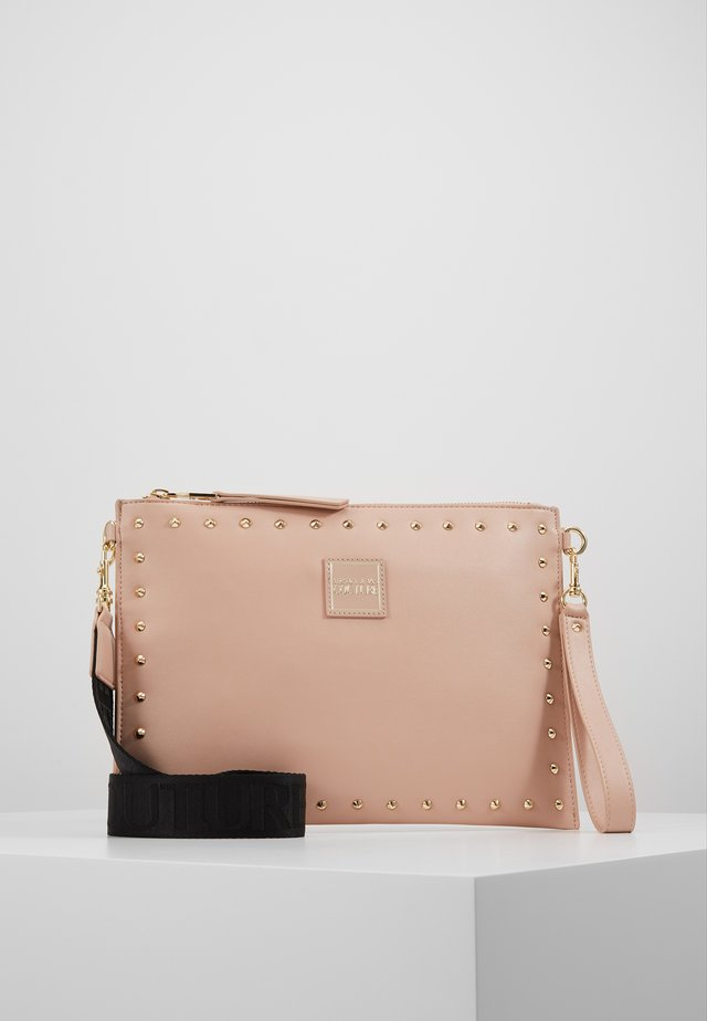 STUDDED POUCH ON STRAP - Clutch - naked pink