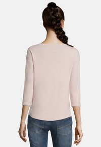 Betty & Co - Long sleeved top - pink - 2