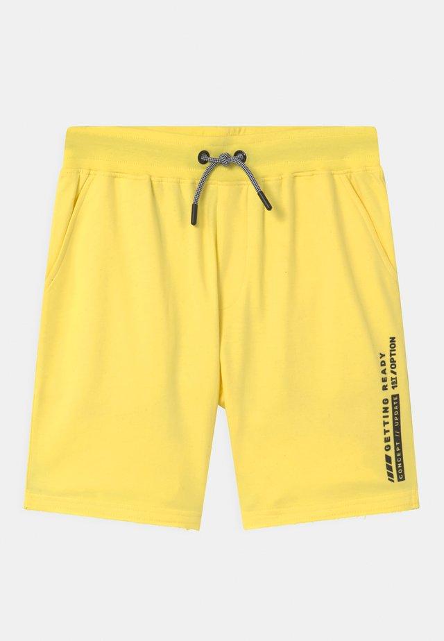TEENAGER - Shorts - bright yellow