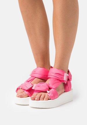 Sandales à plateforme - rose pink/bianco