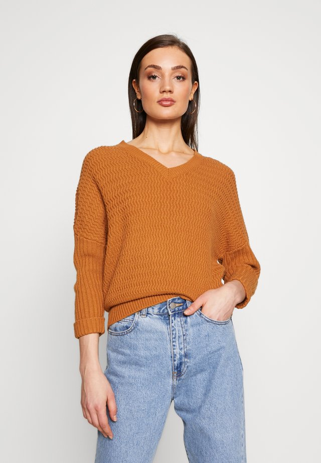 NMMETTE 3/4 V-NECK  - Maglione - brown sugar