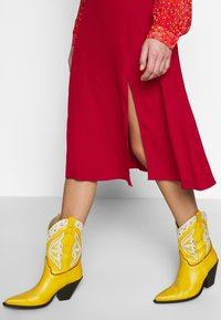 Ghost - GEMMA SKIRT - A-line skirt - chilli paper - 3