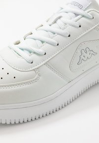 Kappa - BASH - Sportschoenen - white/light grey - 5