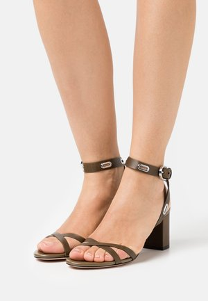KIMLEY - Sandals - medium green