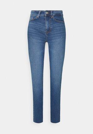 PCLUNA - Jeans a sigaretta - medium blue denim
