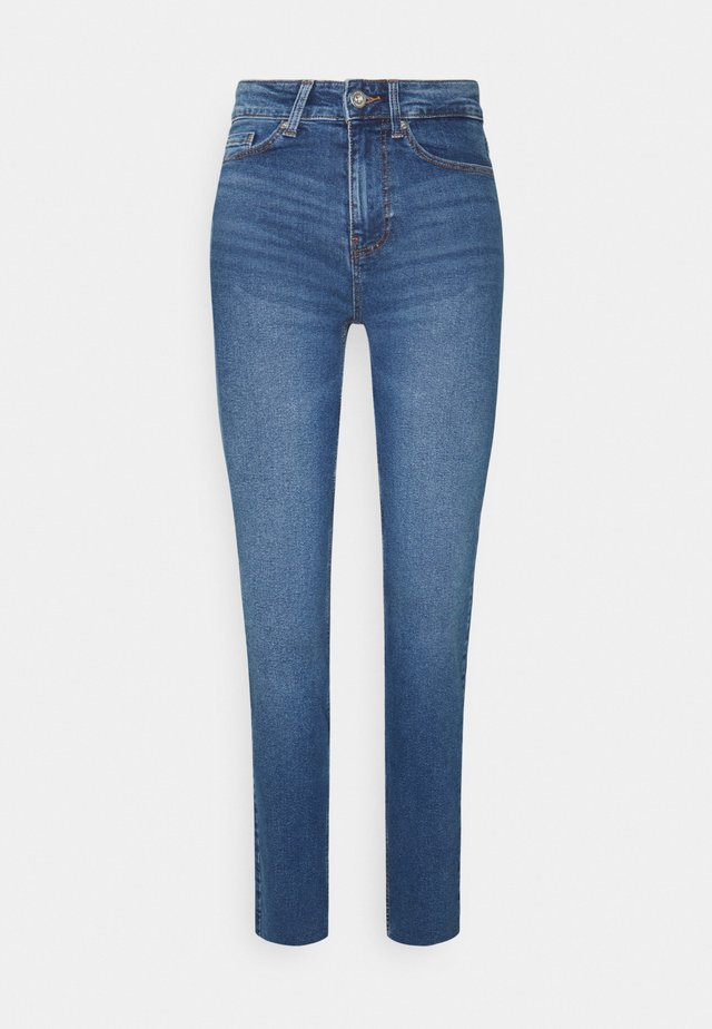 PCLUNA - Straight leg jeans - medium blue denim