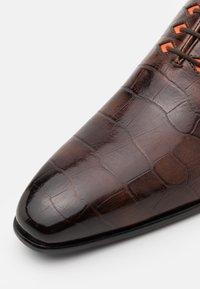 Melvin & Hamilton - LANCE 28 - Elegantní šněrovací boty - mid brown - 5