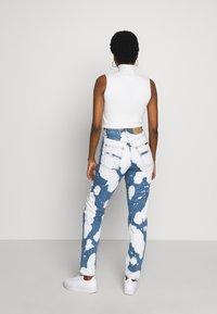 Nudie Jeans - BREEZY BRITT - Straight leg -farkut - tie dye - 2