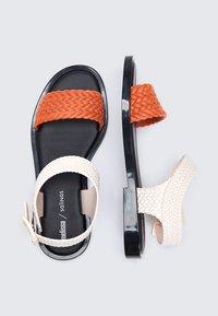 Melissa - Sandały - orange/black - 2