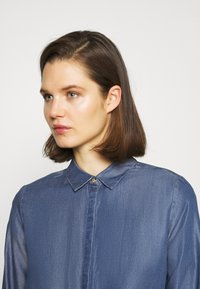 comma - LANGARM - Button-down blouse - dark blue - 4