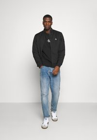 Calvin Klein Jeans - ZIP UP HARRINGTON - Bomber Jacket - black - 1